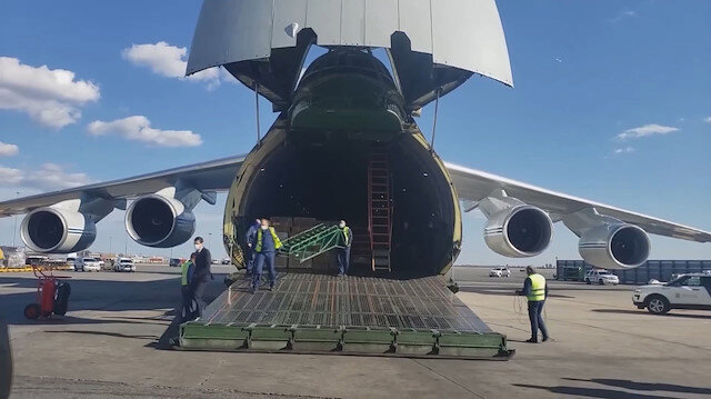 Rusya'dan koronavirüse karşı alınan yardım malzemeleri ABD'ye ulaştı