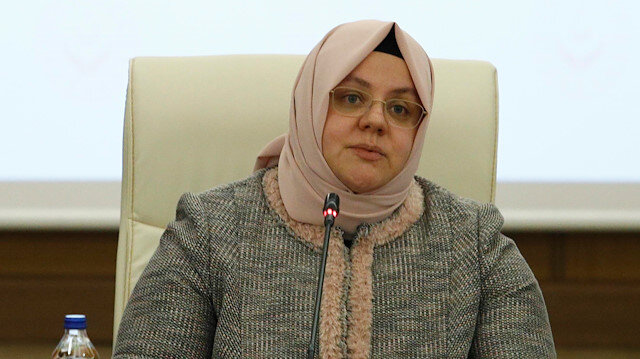 Bağış 900 milyon lirayı aştı: 5-6-7 Nisan'daki işsizlik ödeneği ise evde yapılacak