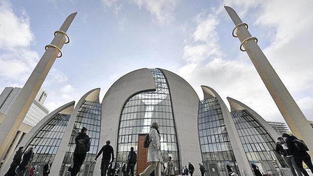 Almanya'da İslam dinine bağlı cemaatlere statü tanıyan anlaşma: Müslüman öğrenciler İslam dersi görebilecek