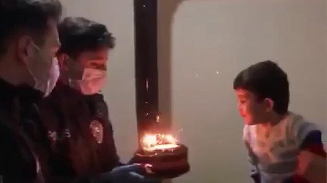 Polis amcalarından minik Rıdvan'a doğum günü sürprizi