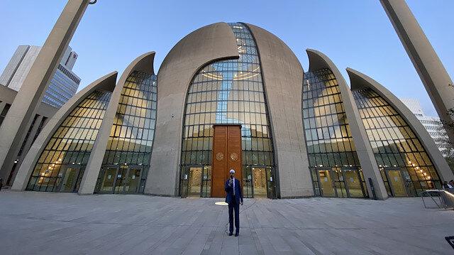 Almanya'nın Köln kentinde ilk kez hoparlörden ezan okundu