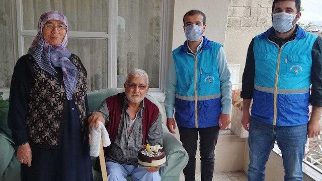 Onikişubat Belediyesi'nden Durdu Amca'ya doğum günü sürprizi