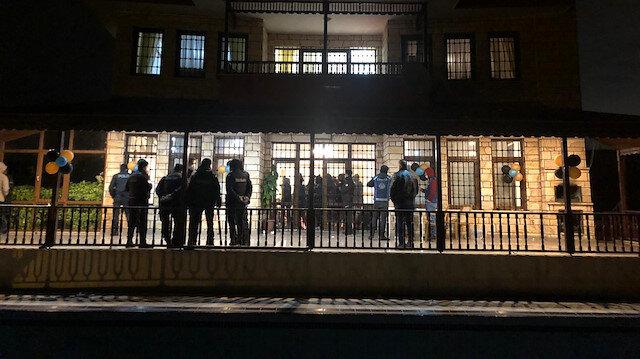 Koronavirüs umurlarında değil: Büyükçekmece'deki ev partisine polis baskını