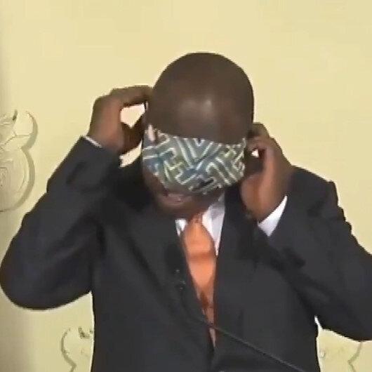 Güney Afrika Devlet Başkanı Ramaphosanın maske ile imtihanı