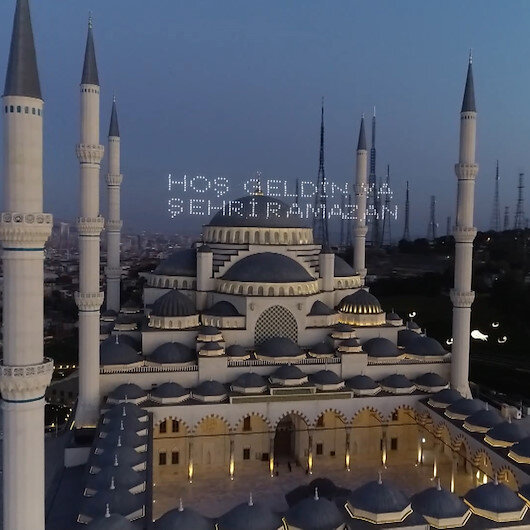 Ramazanın ilk gününde Çamlıca Camii havadan görüntülendi