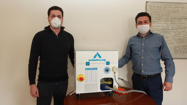 Bursa'da gönüllü mühendisler acil durum solunum cihazı üretti