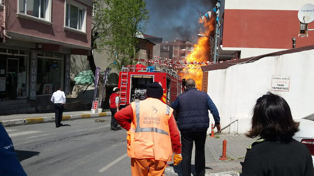 Beylikdüzü'nde İSKİ çalışmaları sırasında doğal gaz borusu patladı