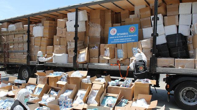 Mutfak eşyası diye yurt dışına çıkarılacaktı: İki milyon maske ve eldiven ele geçirildi