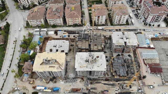 Cumhurbaşkanı Erdoğan talimat verdi: Depremde 2 bin 270 evin yıkıldığı mahallede ilk temel göründü