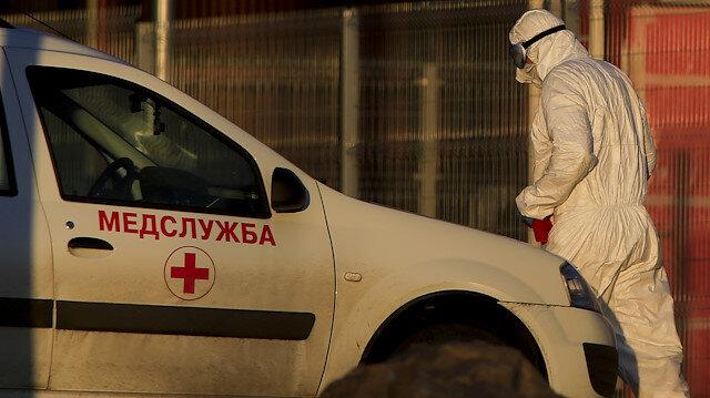 Rusya'da koronavirüs kabusu büyüyor: Son 24 saatte 10 bin 102 yeni vaka