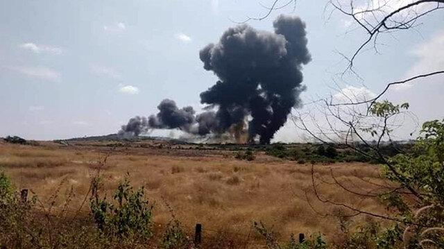 Hindistan'da savaş uçağı düştü: Pilot fırlatma koltuğu ile atladı