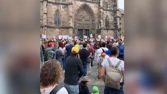 Almanya'da koronavirüs aşısına karşı protesto