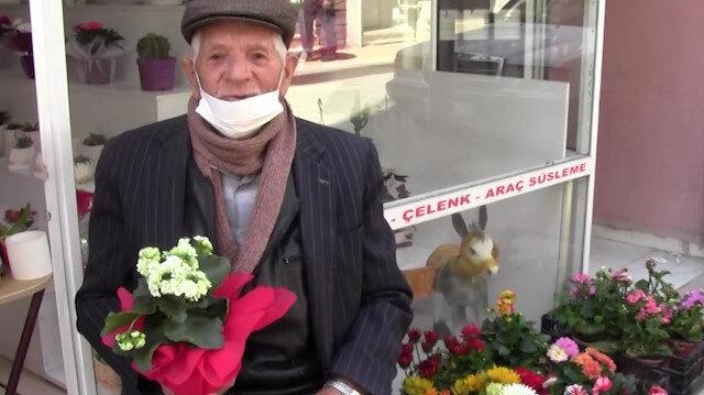 Sokağa çıkar çıkmaz eşinin 'Anneler Günü'nü kutlamak için çiçekçiye koştu