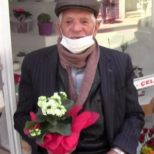 Sokağa çıkar çıkmaz eşinin Anneler Gününü kutlamak için çiçekçiye koştu