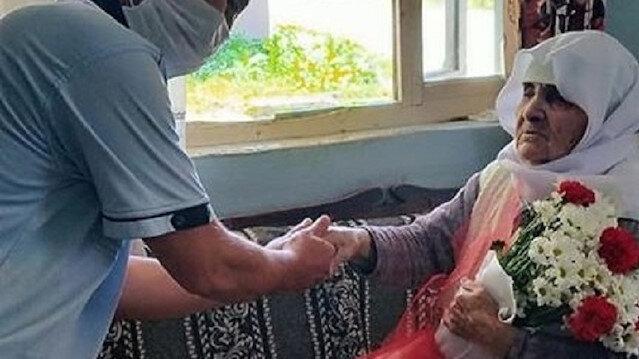 101 yaşındaki anneyi duygulandıran jest