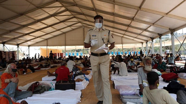 Hindistan'da sağlık sistemi çöktü: Koronavirüs hastalarına yatak verilmiyor