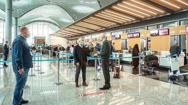 Seyahatin yeni kuralları: İşte havalimanlarında uygulamaya konulan yeni normalin yeni kuralları