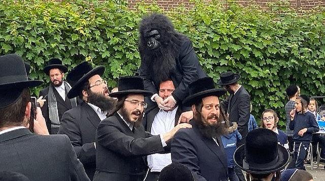 Hasidik Yahudiler sosyal mesafe dinlemedi: Londra'da 300 kişilik kutlama yaptılar