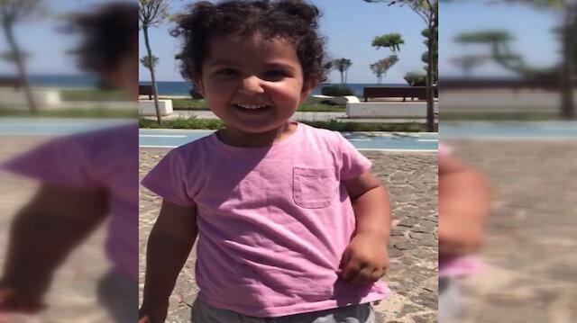 Minik Zeynep denize girmek için polise pamuk şeker teklif etti