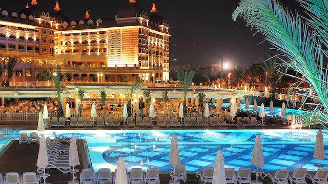 Turizm Bakanı Ersoy, otellerde alınacak 132 korona önlemini açıkladı