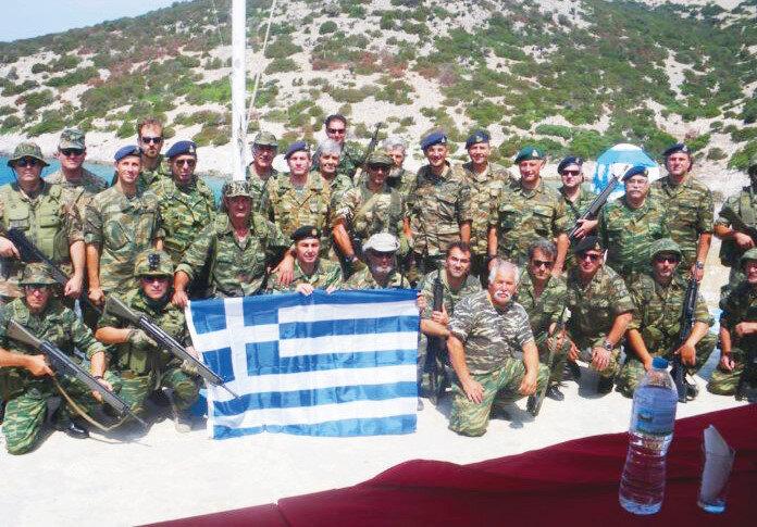 Yunanistan adalarda uluslararası hukuka aykırı olarak asker bulunduruyor.