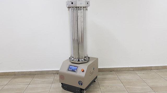 Meslek lisesi robot geliştirdi: Ultraviyole ışınlarıyla dezenfeksiyon yapabiliyor