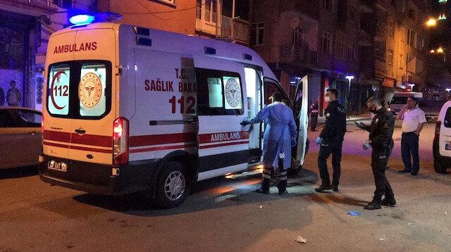 Korona şüphelisi evinden çıktı polis yakalayıp hastaneye götürdü