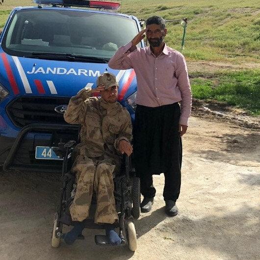Malatyada engelli gencin üniforma hayalini jandarma gerçekleştirdi