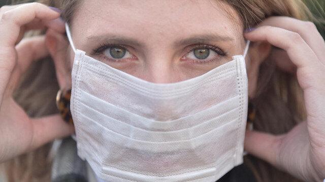 Uzun süreli maske kullanımı yüzde egzamaya neden olabilir