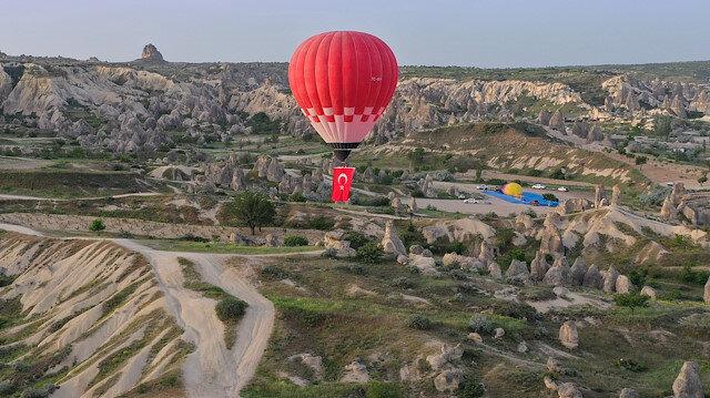 Türkiye'nin ilk yerli balonu Kapadokya semalarında