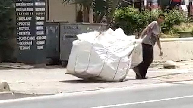 Kadıköy'de zabıta ekipleri kağıt toplayıcısının arabasına el koydu