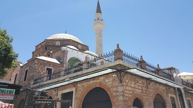 İzmir'de camilere saldırı devam ediyor: Bu kez hoparlörden Selda Bağcan çaldılar