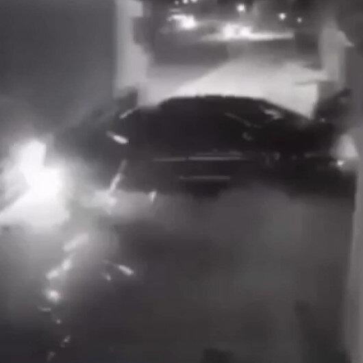 Direksiyon hakimiyetini kaybeden araç sürücüsü tıra çarptı