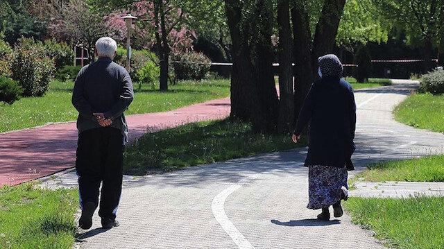 İçişlerinden 65 yaş üstüne seyahat izni açıklaması: 2.5 saatte 29 bin 527 başvuru onaylandı