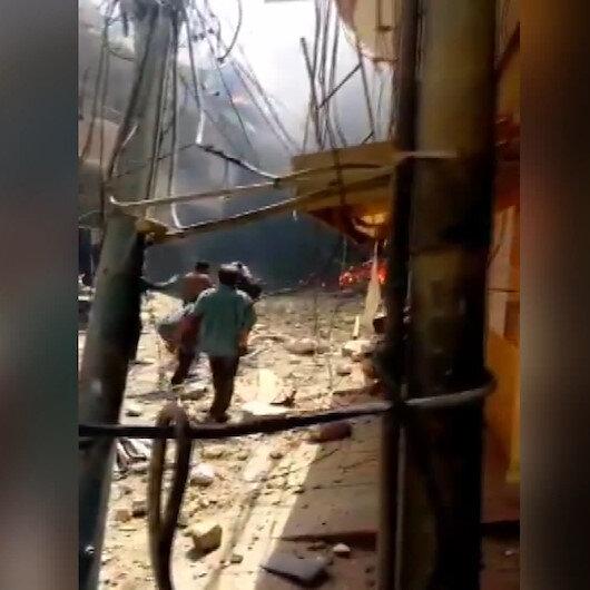 Pakistanda yolcu uçağı yerleşim alanına düştü