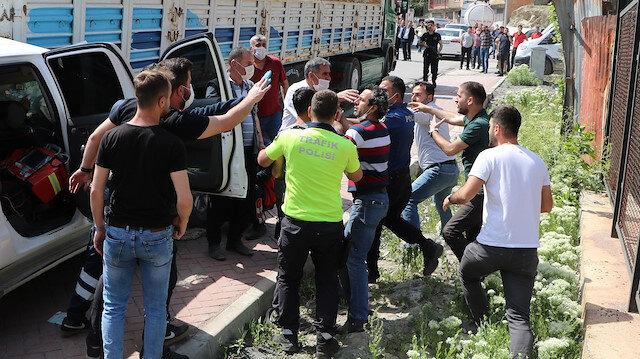 Kaza yerinde sosyal mesafe kuralına uymayanlar polisle tartıştı