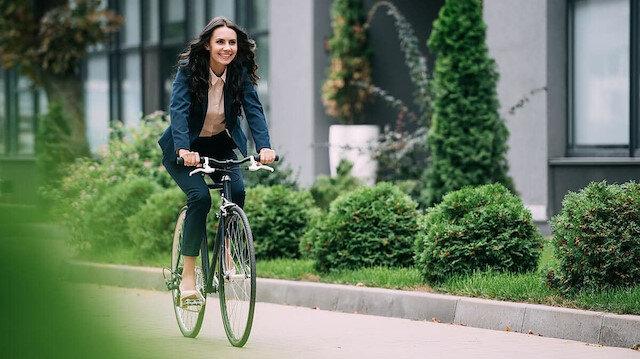 İngiltere'de dikkat çeken araştırma: İşe bisikletle gitmek ömrü uzatıyor
