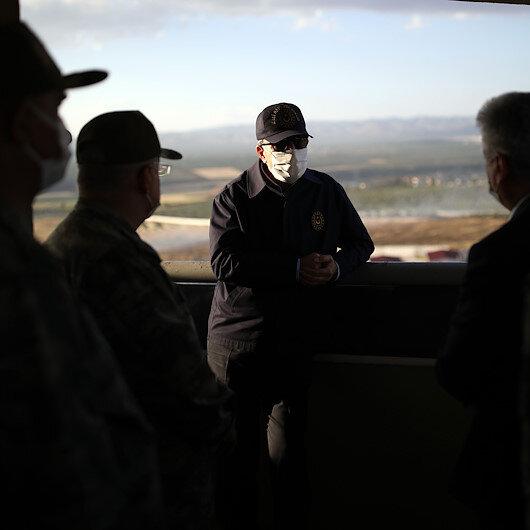Milli Savunma Bakanı Akar ve TSK Komuta Kademesi sınır hattında
