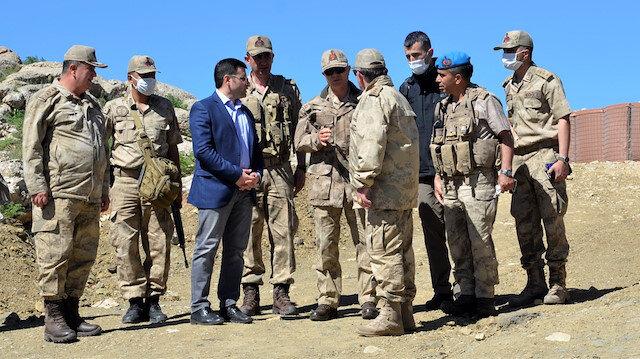 Faraşin Üs Bölgesi'ndeki askerlere komutanlardan bayram ziyareti