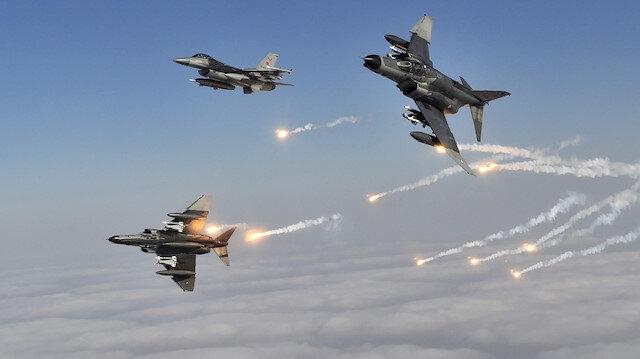 Hakurk'a hava operasyonu: 4 terörist etkisiz hale getirildi