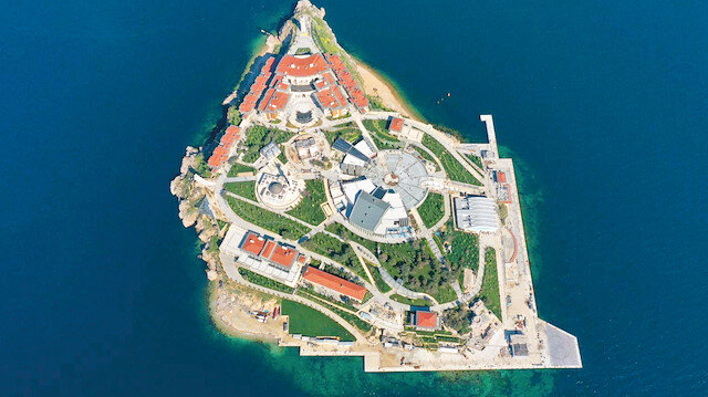 Utanç adasının tarihi değişiyor: Artık demokrasi adası