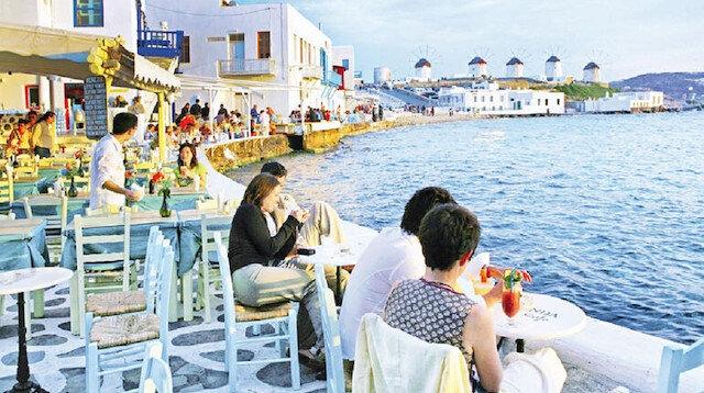 Yunanistan koronaya rağmen turistlere kapılarını açıyor: 25 ülke vatandaşını kabul edecek