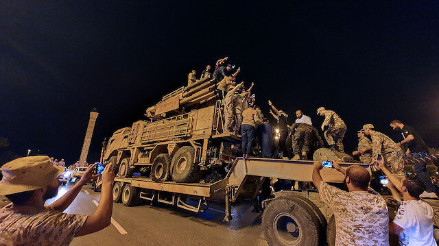 Almanya Libya'da Hafter milislerinin silah ambargosunu nasıl deldiğini araştırıyor