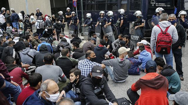 Mülteciler Yunanistan'ı protesto etti