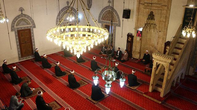 Kosova'da camiler yeniden ibadete açıldı