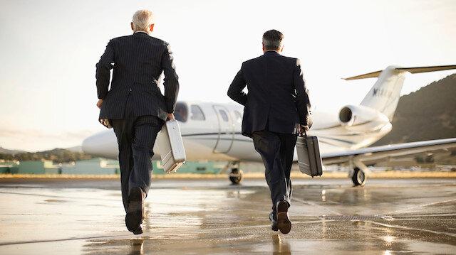 Koronavirüs vakaları artınca Rus zenginler özel jetlerle ülkelerinden kaçmaya başladı!