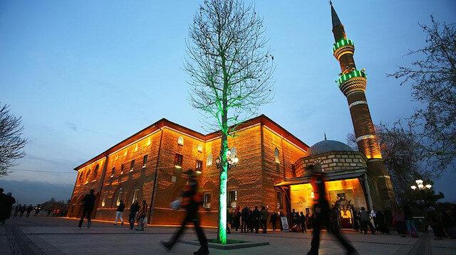 Ankara'da cuma namazı kılınacak cami avluları ve açık alanlar belirlendi