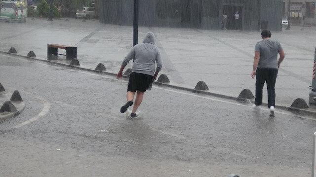 Meteorolojiden Ankara ve 3 ile sağanak uyarısı yapıldı