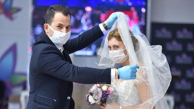Koronavirüs nedeniyle düğünlerini erteleyen 30 bin çift tarih bekliyor!