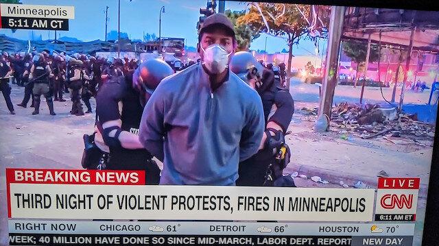 Floyd olayları büyüyor: CNN ekibi canlı yayında gözaltına alındı